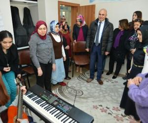 Ali Korkut, Engelsiz Yaşam Merkezini gezdi