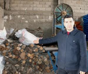 Odun satıcılarını önce döviz, ardından gelmeyen kış vurdu
