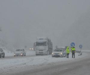 Mezitler bölgesinde kar yağışı etkisini attırdı