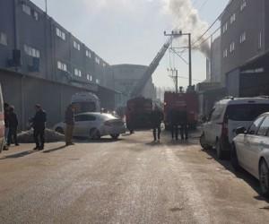 Aksesuar imalathanesinde korkutan yangın