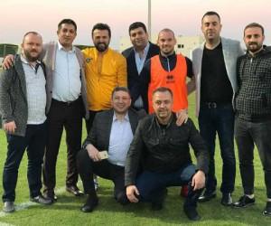İnegöllü Mobilyacılar Sneijder'i ziyaret etti