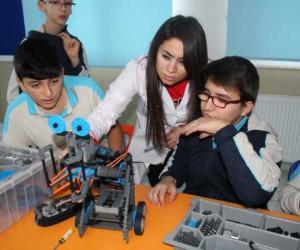 Okyanus Koleji'nde Robotik Eğitim