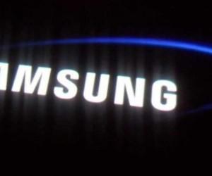 'Samsung katlanabilir telefonu tanıttı' iddiası