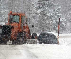 Domaniç İnegöl arası kar yağışı ve sis ulaşımı zorlaştırıyor