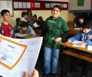 İnegöl'de 55 bin öğrencinin karne heyecanı
