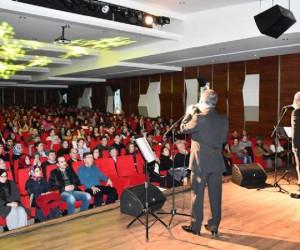 Altan Erkekli Ve Veysel Diker'den 'Şifa Niyetine' Müzikli Gösteri