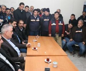 Başkan Remzi Aydın, 2018'e temizlik personelleriyle girdi