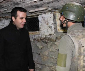 Kaymakam Vardar'dan polis ve askere ziyaret