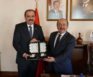 Başkan Gümrükçüoğlu, TBMM Çevre Komisyonu Başkanı Balta'yı ağırladı