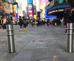 New York'ta araçlı terör saldırılarına karşı metal bariyerli önlem