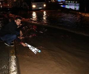 Suyun altında kendi aracının plakasını ararken 12 farklı plaka buldu