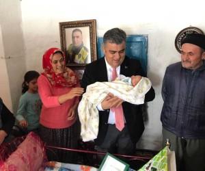 Başkan Özgüven, minik Fethi Sekin'i unutmadı