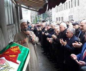 Gazeteci Turgut  Özdemir son yolculuğuna uğurlandı.