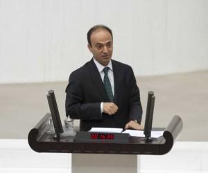 HDP'li vekil Osman Baydemir ifade vermek için adliyede
