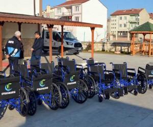Çifteler Belediyesi'nden 250 engelli ve yardıma muhtaç vatandaşa sandalye