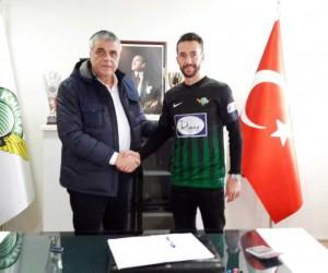 Bilal Kısa, T.M. Akhisarspor ile anlaştı