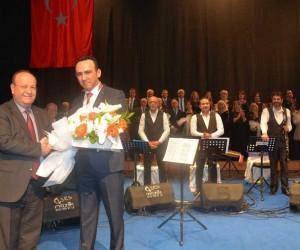 Efeler Belediyesi TSM Korosu'ndan Zeki Müren'i anma konseri
