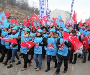 Metal işçileri MESS'i protesto yürüyüşü yaptı