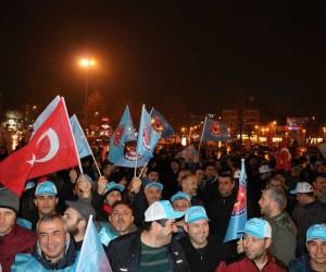 Türk Metal İş Sendikası üyeleri Demokrasi Meydanında MESS eylemi yaptı