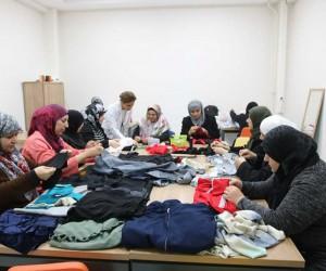 Sığınmacı kadınlar Geçici Eğitim Merkezi'nde meslek sahibi oluyor