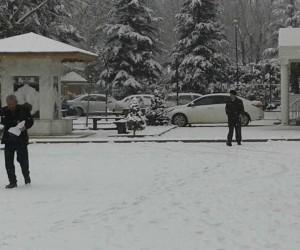 Bursa'nın Keles ilçesine kar yağdı