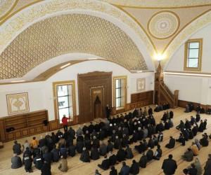 Müşerref-İsmail Yapıcı Cami İlk Cuma Namazıyla İbadete Açıldı