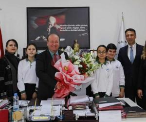 Dr. Fevzi-Mürüvet Uğuroğlu Ortaokulu'ndan Başkan Özakcan'a ziyaret
