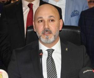 """AK Parti'li Karaduman: """"Bizim için bin dost az, bir düşman fazla"""""""