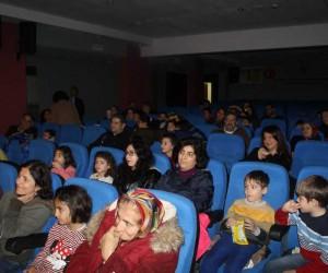 Sökeli çocuklar Karagöz ve Hacivat'ı çok sevdi