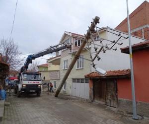 Hisarcık'ta görüntü kirliliği ortadan kaldırılıyor