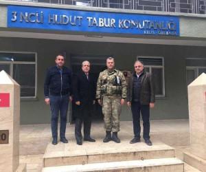 Milletvekili Tayyar, Afrin sınırında Mehmetçik ile menemen yedi