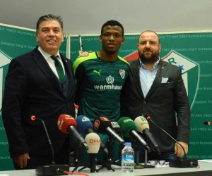 Bursaspor, Shehu ile sözleşme imzaladı