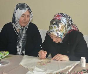 Kocasinan Akademi'nin kursiyerleri ev ekonomisine katkı sağlıyor
