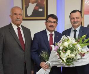 AK Partili Çelik'ten CHP'li Balaban'a tebrik