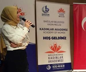 """Psikolog Esra Aydın: """"Toplum baskısından dolayı evlenmeyin"""""""
