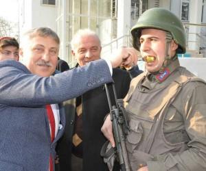 İnegöllülerden Mehmetçiğe destek yürüyüşü