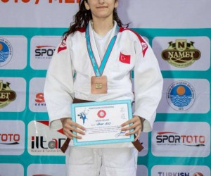 Judo, boks ve atletizm turnuvalarında 5'er altın ve bronz, 4 de gümüş madalya ile döndüler