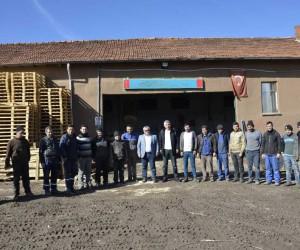 İşçiler bir günlük yevmiyelerini Mehmetçik Vakfı'na bağışladılar