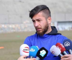 Evkur Yeni Malatyaspor'da kaptan Adem'den başarı sözü