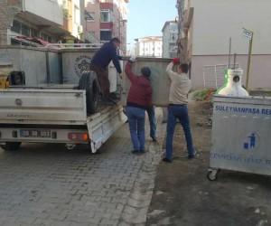 Üst yapısı tamamlanan mahallelerin çöp konteynerleri yenilendi