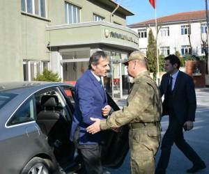 Başkan Alemdar'dan Garnizon Komutanına ziyaret