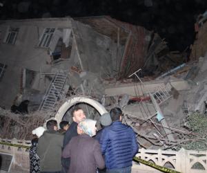 Enkaz altında kalan deprem zedenin 112 görüşmesi ortaya çıktı