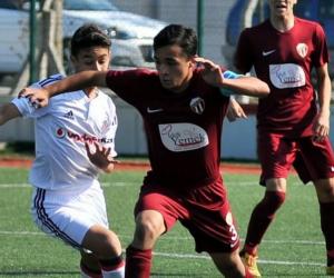 İnegöllü yıldız Bursaspor'a transfer oldu