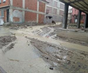 Alanyurt'ta evleri su bastı