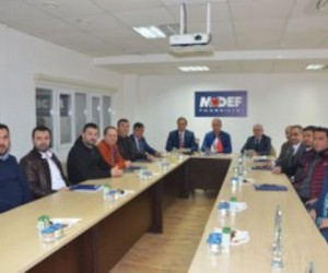 İGİAD'dan MODEF'e Plaket