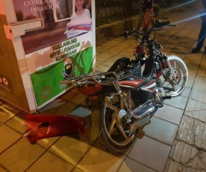 Park caddesinde kaza 2 yaralı