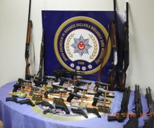 İnegöl'de dev operasyon, 28 gözaltı