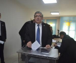 Müfit Besler tekrar ilçe başkanı seçildi