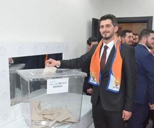 AK Parti İnegöl Gençlik Kolları Başkanı Selim Emre Aydın oldu