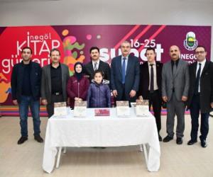 'Osmanlı Döneminde İnegöl' Kitabını İnegöllüler İçin İmzaladı
